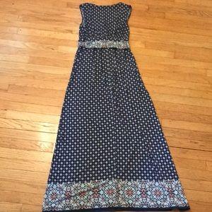 Dresses - Sleeveless Maxi Dress